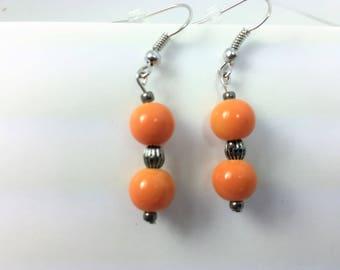 Round orange acrylic beads #29