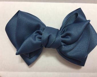 blue pretty Ribbon / hair bow