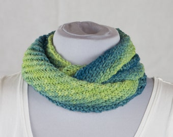 Beautiful tube scarf with great gradient