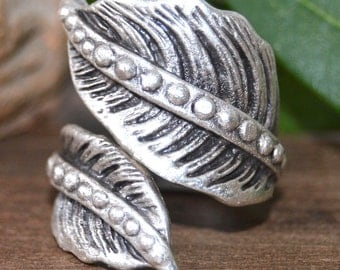 Leaf Ring, Silver plated Handcrafted, Ring, Floral, Twist, engraved