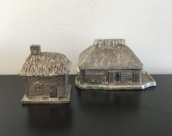 Vintage Pewter Trinket box,English Cottage , Ring box, Coin Box, Silver, Thatched Roof. Home Decor ,Collectible Metal art