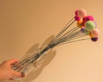 Needle Felted Balls Flower Bouquet, handmade Pom Pom Flowers, Felted Billy Button Flower, Modern Flower Arrangement, Anniversary Gift ideas.