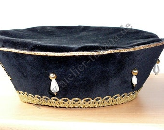 15th century noble Lords of Medieval Renaissance Hat beret Myllan has richly decorated Velvet