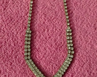 Vintage faux diamond necklace in great condition!