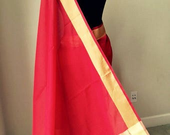 Red handloom saree with interwoven checkered pattern