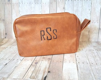 Monogrammed Dopp Bag, Monogram Groomsmen Gift, Monogram Fathers Day Gift, Personalized Toiletry Bag, Personalized Shaving Kit, Best Man Gift