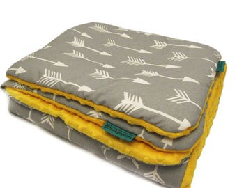 Nursery bedding set - quilt and pillow, Arrows bedding, Minky bedding set, Baby bedding set, Yellow and grey baby bedding set