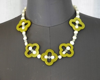 Agate and pearl necklace made from upcycled materials