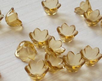 Lucite Acrylic Flower Beads, Small Bell Flowers, Translucent Honey, 24