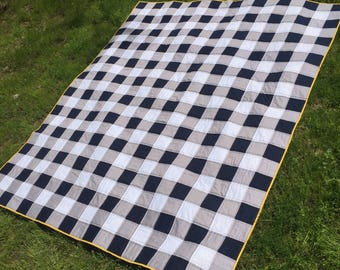 Twin-size Gingham Quilt