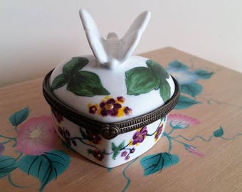 Small box with clasp - hand painted porcelain