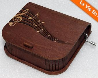 """Engraved Wooden Music Box  """"La Vie En Rose"""" #4 - Hand Crank Movement"""