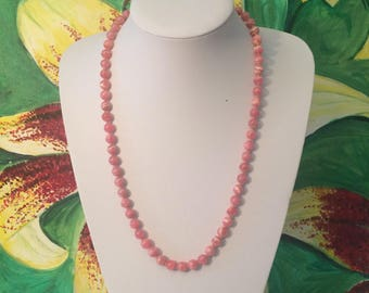 Lovely pastel pink vintage 60s beaded necklace
