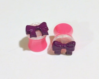 Neon Pink 00g 11mm Double Saddle Plugs with Purple bows