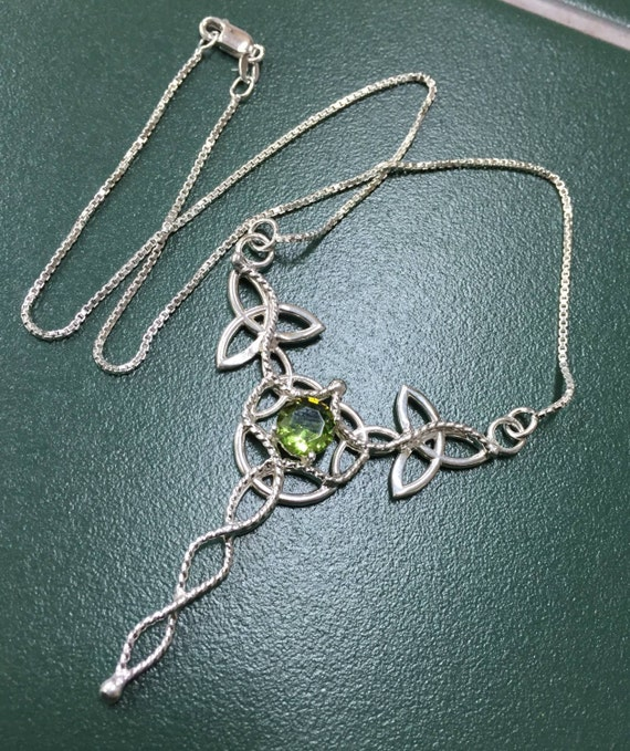 Celtic Elvish Necklace, Irish Trinity Necklace, Faceted Peridot Gemstone Necklace, Green Gemstone, Peridot Necklace, 16 Inch Box Chain