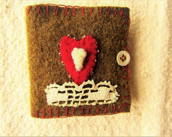 Small Sewing Needle Book