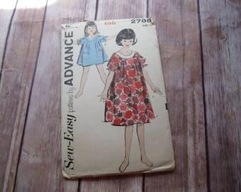 Advance 2705 -- Girls size 14 Muu Muu