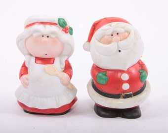 Vintage Bumpkins Ceramic Christmas Salt and Pepper Shakers, Mrs. Clause and Santa Clause ~The Pink Room~ 161130