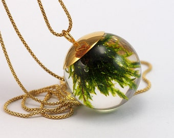 Gold Plated Moss Necklace, Moss Resin Pendant, Moss in Resin, Resin Sphere, Green moss Pendant, Resin Jewelry, woodland necklace