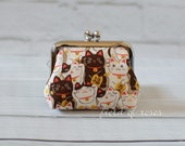 Small Frame Coin Purse Kawaii Manekineko Cat Khaki Rosary Case Earbud Case Earbud Holder Clasp Change Purse