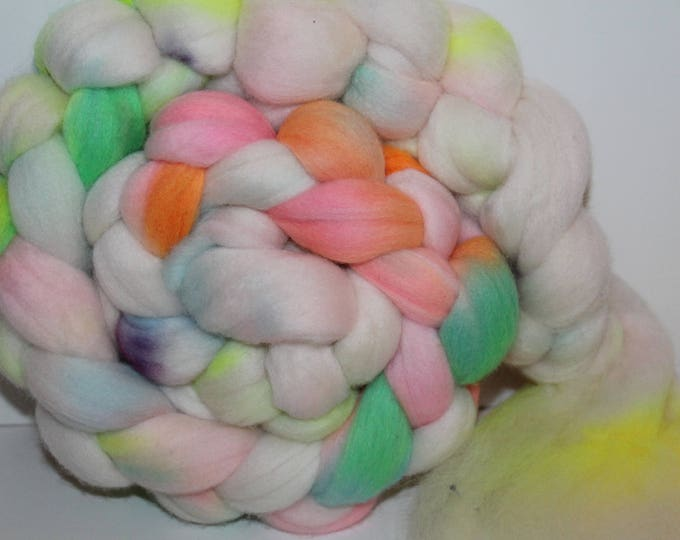 Kettle Dyed Merino Wool Top. Super fine. 19 micron  Soft and easy to spin. 4oz  Braid. Spin. Felt. Roving. M209