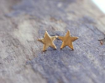 Minimalist Golden Star Stud Earrings - Tiny Star Post Stud Earrings