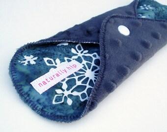 "9"" 23cm Minky Cloth Menstrual Pad, Regular, Batik Snowflakes Blue Grey Dimple Dot, Incontinence Pad, Minkee Pad Stain Resistant Cloth Sanpro"