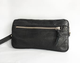 Leather wristlet wallet in black cow hide // silver tone hardware