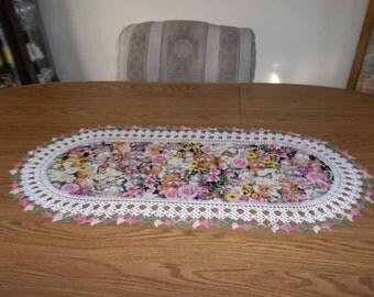 Crochet Table Runner, Pink Roses, Cats, Best Doilies, Handmade, Home Decor, Dresser Scarf, Centerpiece, Lace Runner, Oval Table Topper, Gift