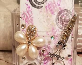 HairStylist Flower Crystal Vertical Card Holder