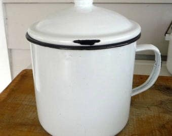 White black enamelware mug with lid