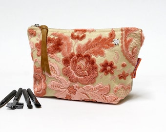 Makeup Bag Pink Velvet - Zipper Pouch - Cosmetic Bag - Toiletry Bag - Handmade from vintage fabric and canvas by EllaOsix