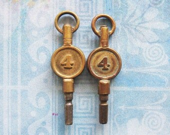 Pocket Watch Key Jewelry Fobs Number 4 Brass Antique Victorian Findings Star Embellishment