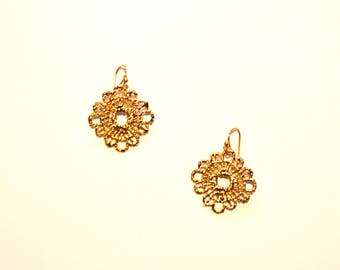 Small Gold Lace Design Earrings / Tiny Gold Crochet Earrings / Gold Crocheted Earrings / Gold Doily Design Earrings / Handmade Gold Earrings