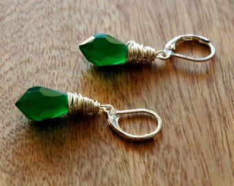 Emerald Green Crystal and Silver Earrings / Green Silver Earrings / Green Wire Wrap Earrings / Silver Wire Wrapped Green Crystal Earrings