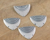 6 Hole Silver Ox Dapped Triangle Shield Tribal Pendant Connector (4) mtl180L