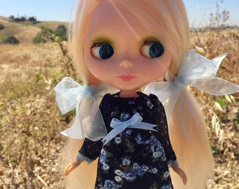 Blue is the Warmest Colour dress and ribbons set for blythe