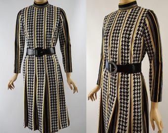 Vintage 1970s Dress Black and White Hounds Tooth Box Pleat B36 W32