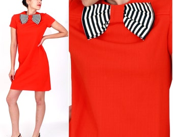 Vintage 1960s Mod Tangerine Shift Dress with Black and White Striped Neck Bow by Sue Brett Knits | Small/Medium