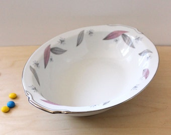 Narumi Serenade oval vegetable serving bowl. 1960s pastel leaves and stars.