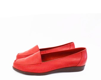 90's RED LEATHER skimmers // vintage soft loafer shoes // slip on / size 6.5 - 6 1/2