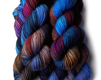 Hand Dyed Yarn Merino DK Light Worsted Yarn Superwash - Chartes, 250 yards