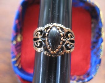 Vintage Filigree Onyx Ring