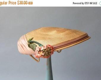 STOREWIDE SALE 1950s Hat / Vintage 50s Golden Straw Hat / 50s Pale Pink Organza Floral Straw Hat