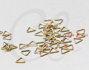 200pcs Raw Brass Opened Triangle Jump Rings - 6x0.7mm (3320C-E-640)