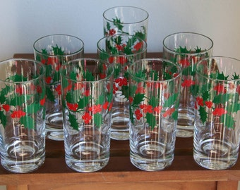 HOLIDAY HIGHBALLS: Set of 8 Vintage Cocktail Tumbler Glasses, Clear, Holly Leaves & Berries, Heavy Base, 10 -11 ounces, Almost NEW Condition