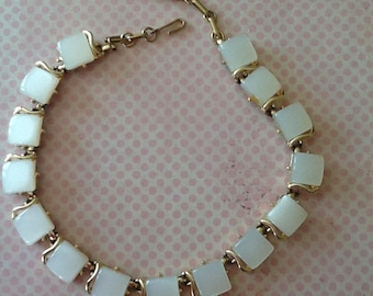Vintage White CORO Thermoset Necklace with Extender cottage chic 50s