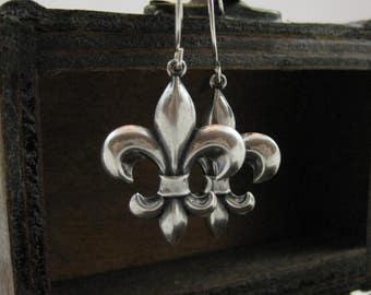 Silver Fleur de lis Earrings Fleur de lis Earring gift for her Classic Style Celtic earrings Medieval earrings Handmade ear wires Gothic