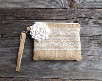 Bridesmaid Wristlet, Bridesmaid Clutch, Burlap and Lace Wedding, Burlap Bag, Rustic Wedding, Wedding Party Gifts Under 30,  Spring Weddings