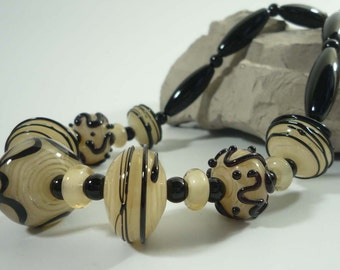 Lampwork Glass Agate Onyx cream and black necklace